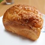 パン香房 ベル・フルール - Belleの塩パン(230円)
