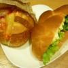 パリクロアッサン - 料理写真:チーズとダッカルビ、白身魚のタルタルエッグバーガー