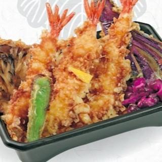 ご自宅や職場でも味わえる、天丼弁当のご予約も承ります。