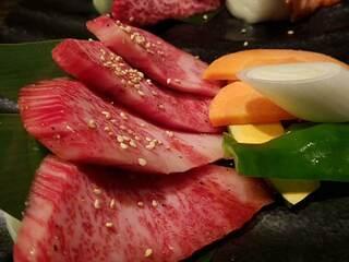焼肉もとやま 新宿店 - 本日の希少部位二種タレアップ