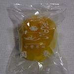 中華菜館 同發 - 蛋黄奶油酥(塩玉子入りカスタードパイ)360円