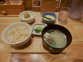 玄米食堂 あえん - 玄米とろろごはんセット(\580)