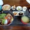 彩色居酒屋 - 料理写真:刺身丼定食(880円)