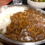 鉄板焼 京都 梅しん - 肉屋のビーフカレー