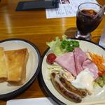 カフェ・ヴルスト - 料理写真:ヴルストモーニング700円