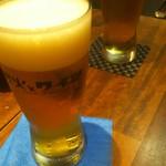 炭火とワイン - 生ビールで乾杯!