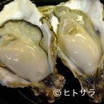 あじ彩 - 生ガキ(殻付き2ヶ)