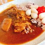 食堂 サジロ - チキンカレー(700円)