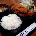 8947951 - チキンかつ定食(お味噌汁、ごはん、おしんこ)