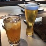 菊鮨 - 主人は「ビール」、私はまだお酒を頂けませんので「ウーロン茶」を。