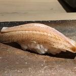 菊鮨 - ◆キス・・水分を抜かないように〆てあるので、旨みが凝縮されています。