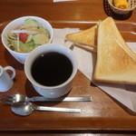 鈴鹿茶房 - 料理写真:モーニングA ハムエッグトースト