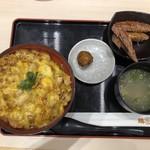 伊藤和四五郎商店 - 八丁味噌親子丼の手羽唐セット