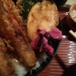北浜あなごや 日本酒と酒肴 - 紫蘇漬けオン(ピンボケすみません)