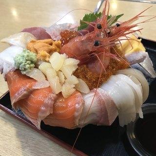 すみれ - 料理写真:海の幸丼 1/3
