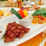 kitchen 伊志川 - 月替わりパスタとバーニャカウダ、黒毛和牛希少部位マクラの盛り合わせプレート