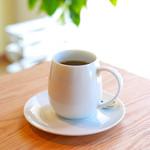 Forest Coffee Roasters - コーヒーの香りを包み込む形のマグカップ