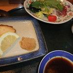 すし市場 なか安 - 上寿司御膳の焼き魚、サラダ、茶碗蒸し