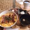 うなカフェ - 料理写真:卵と鰻の相性抜群丼♪1800円