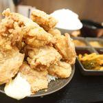 ザンギ屋 - 料理写真:デカ盛り定食