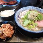 島田製麺食堂 - 飛魚そば&からあげとライスのセット