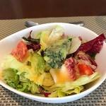 ビストロ・ブフドール - サラダ付き
