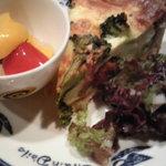 8949570 - (7月)湘南野菜のキッシュ