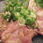 日本酒×ワイン ノンベエ エビス -  『レバーの軽い炙り~天然塩とごま油で~』