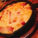 ブラッスリー イッキ 食彩独歩 一喜 - 単品 ベーコンとポテトのチーズ焼き 650円