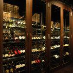 サロンド オー - ワインセラー。貴方のリクエストを待ってるワイン達の休憩所。
