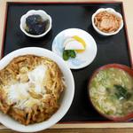 そば八 - 料理写真:かき揚げ丼 … 420円