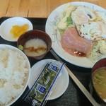 愛鷹パーキングエリア(下り)・スナックコーナー - 朝定食パート2