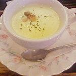 カフェ・ド・ラペ - モーニングに+1でミニカップスープ