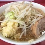 89520664 - ラーメン小麺・少なめ(700円)ニンニク・アブラ