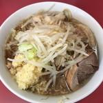 89520674 - ラーメン小・麺少なめ(700円)ニンニク・アブラ