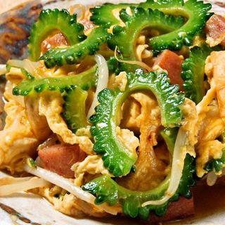 北海道から沖縄まで、ご当地料理が楽しめる♪