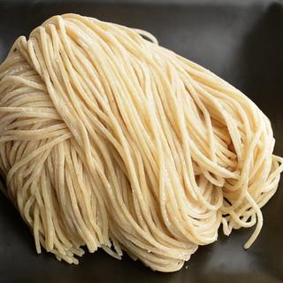 オリジナルの細麺