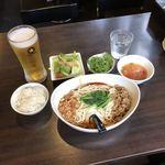 89529204 - ランチ 汁なし 担々麺 セット + 香菜 + 生ビール
