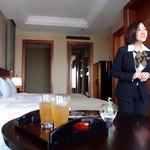 セント レジス ホテル - ウエルカムドリンクとバトラー