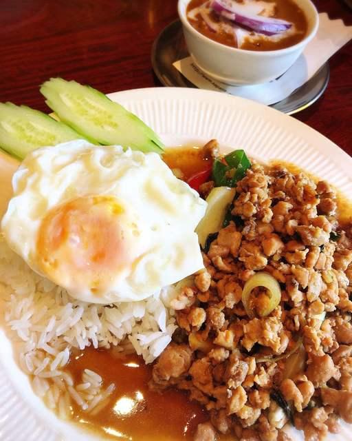 Asian Kitchen Sapana 神楽坂店 - ガパオ
