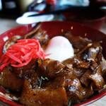 さとうのぶた丼 - 土用丑の日に頂いた、ウナ丼ならぬブタ丼です(笑)。