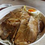 さとうのぶた丼 - チャーシュー丼。 単品の並盛は450円です。