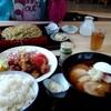 朝日屋食堂 - 料理写真:唐揚げ定食(ご飯大盛り)、チャーシュー麺、家人の盛りそば(大盛り)