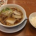 福一 - 料理写真:あっさり醤油ラーメン