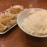 福一 - 餃子と白飯