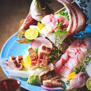 名物!淡路島産鮮魚の『ざる見せ』で丸ごと魚を楽しめる!