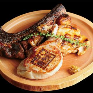 函館直送の鮮魚から肉料理まで、自慢の一品料理が勢揃い