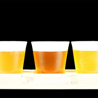 小規模ブルワリーで作られる、個性豊かなクラフトビールで乾杯