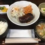 ちょんたま食堂 - 煮込みハンバーグ定食680円