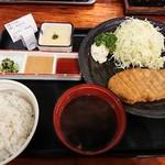 牛かつ 壱弐参 - 牛カツ麦飯とろろセット(130㌘)